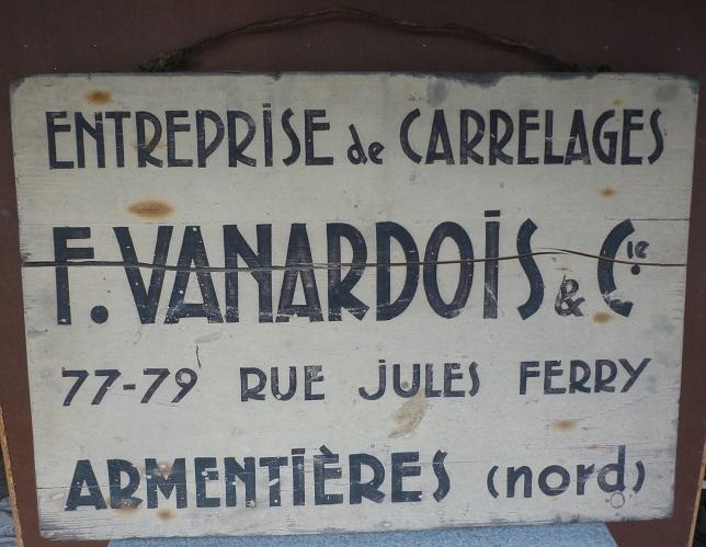 Très Ancien panneau en bois publicitaire pour une entreprise d  KJ39