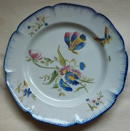 Assiette en faïence signée Hippolyte Prost à Charolles XIXe siècle ...