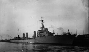 Dunkerque_-_lancement_du_contre-torpilleur_Aigle