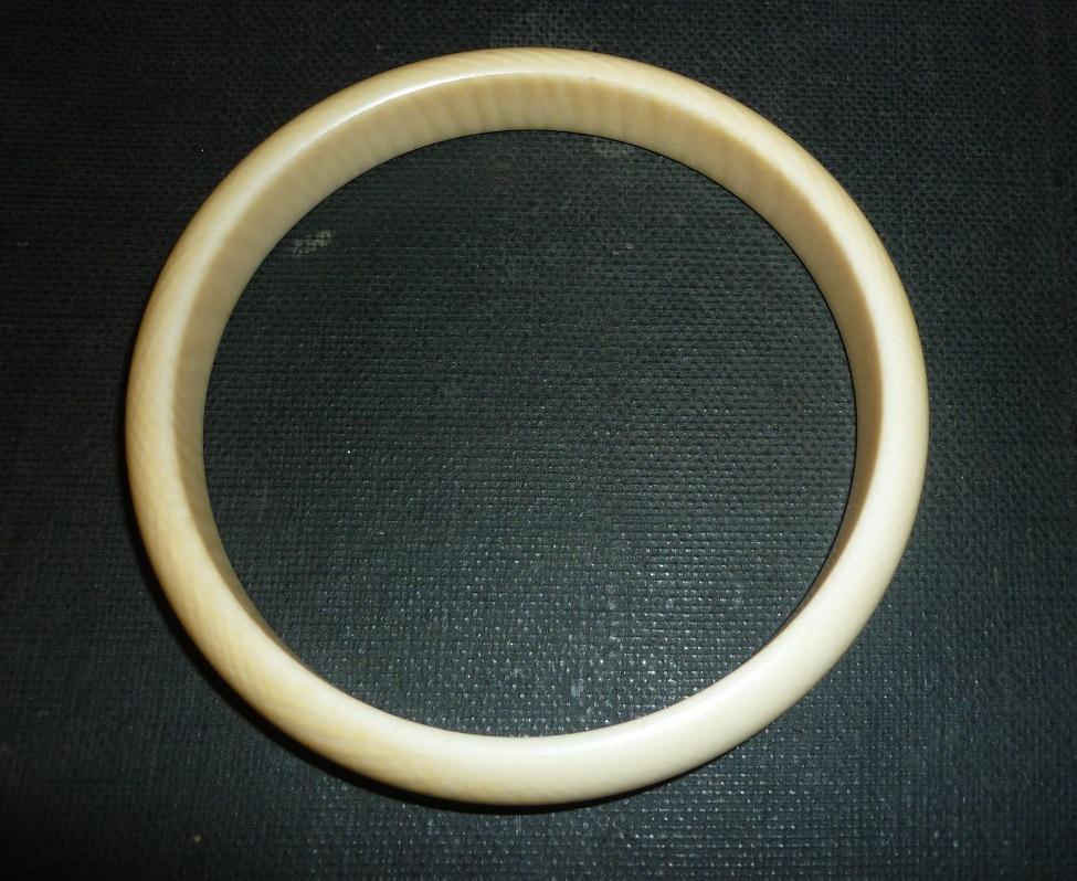 prix  Vendu ref. 235/9. bijou bracelet ivoire
