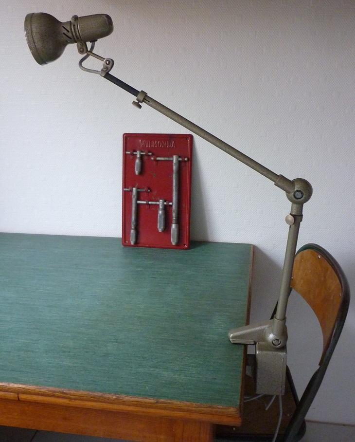 lampe d atelier lumina 1950 60 broc 39 en 39 guche. Black Bedroom Furniture Sets. Home Design Ideas