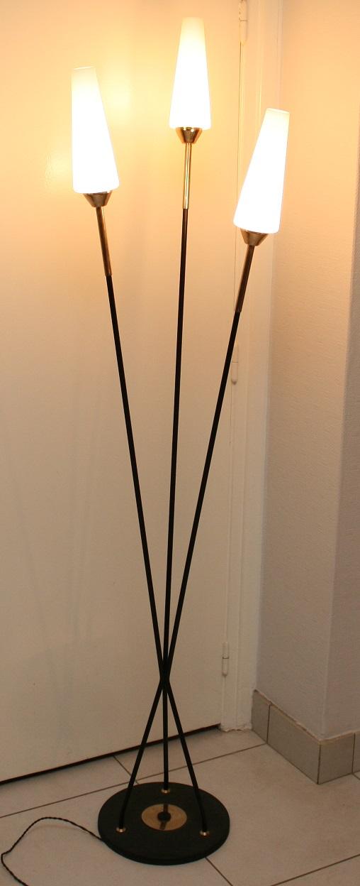 lampe de sol design 1950 broc 39 en 39 guche. Black Bedroom Furniture Sets. Home Design Ideas